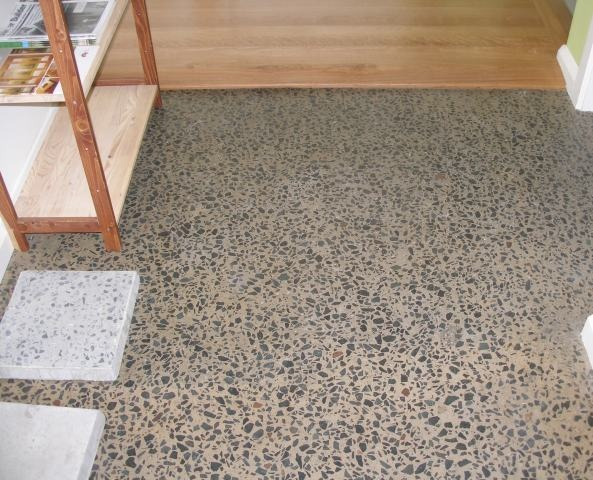 LINUS Wood and Cotto Oil #260  Polished concrete look