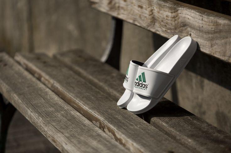 adidas - Adilette Equipment (weiß / grün) - S78692