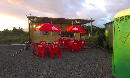 restaurant le tropikal, Saint-Pierre Photo : getlstd_property_photo - Découvrez les 1178 photos et vidéos de restaurant le tropikal prises par des membres de TripAdvisor.