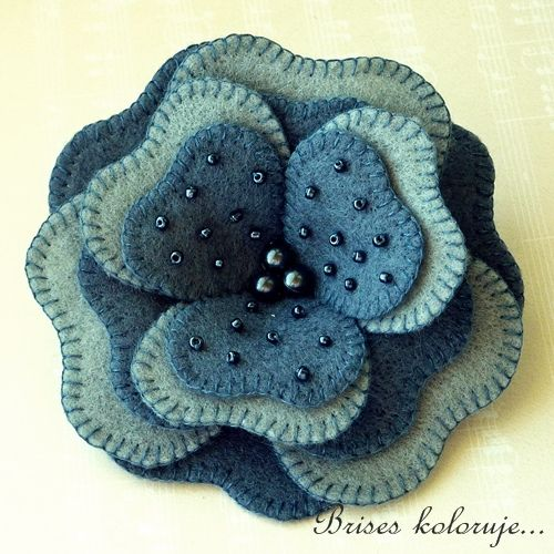 Felt Brooch... gotta make this!