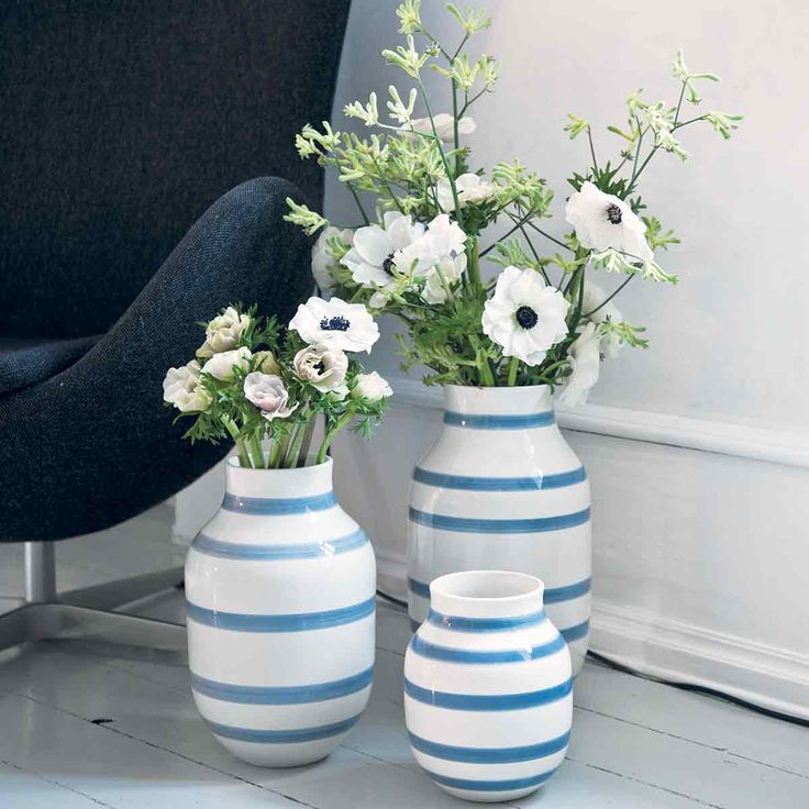 Omaggio Vases, Light Blue