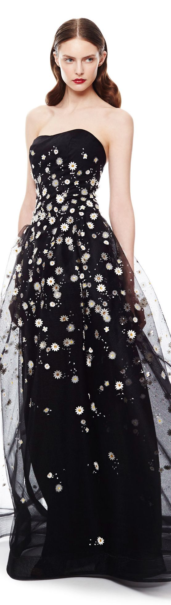 Carolina Hererra | Resort 2015 // Black is not normally your thing, but I liked the flowery nature of it, even if it's a bit stark.