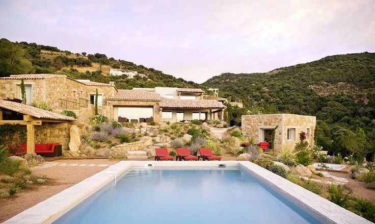 Villa Mare e Monte Corsica Sleeps up to 10. With high spec design which verges on decadence, and a setting in stunning scenery, close to a blissful beach, this magnificent luxury villa in Corsica is fabulous for families or friends.