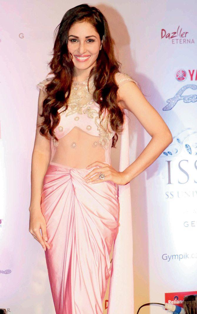 Pooja Chopra at Miss Diva red carpet on Sahara Star. #Bollywood #Fashion #Style #Beauty #Hot #Punjabi