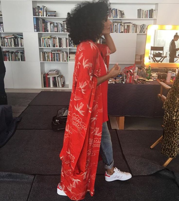 Tracey Ellis Ross in a fab kimono robe