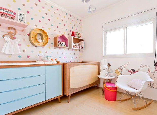 Nem todo rosa, muito menos azul. Conheça um quarto de menina e outro de menino bem incomuns, lúdicos e com boas soluções