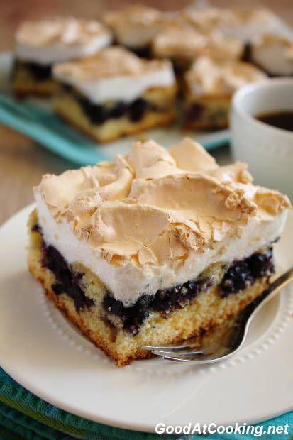 Пирог с черникой и меренгой