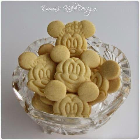Emmas KakeDesign: Sugar Cookies recipe and procedure! www.emmaskakedesign.blogspot.com