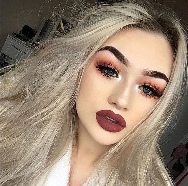 Dark berry lipstick with metallic Eyeshadow look