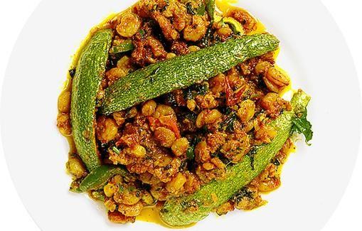 Kevyttä ruokaa katkaravuista ja kesäkurpitsasta.