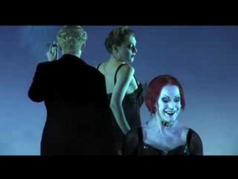 présentation pour la télé italienne de l'opéra mis en scène par Robert Wilson (en italien et en anglais)