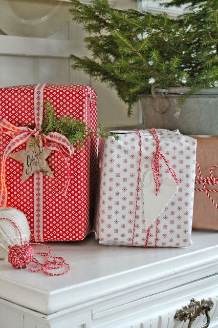 Scandinavian gift wrapping gorgeousness! Love this website for all the Scandi-chic wrapping ideas.