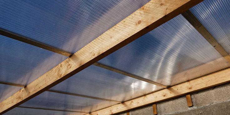 Faire une toiture en plaque polycarbonate   Polycarbonate, Toiture et Toiture polycarbonate