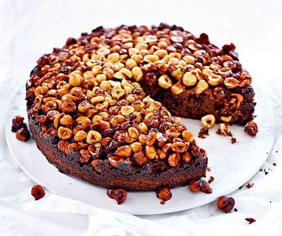 Gestürzter Schokolade-Haselnuss-Kuchen