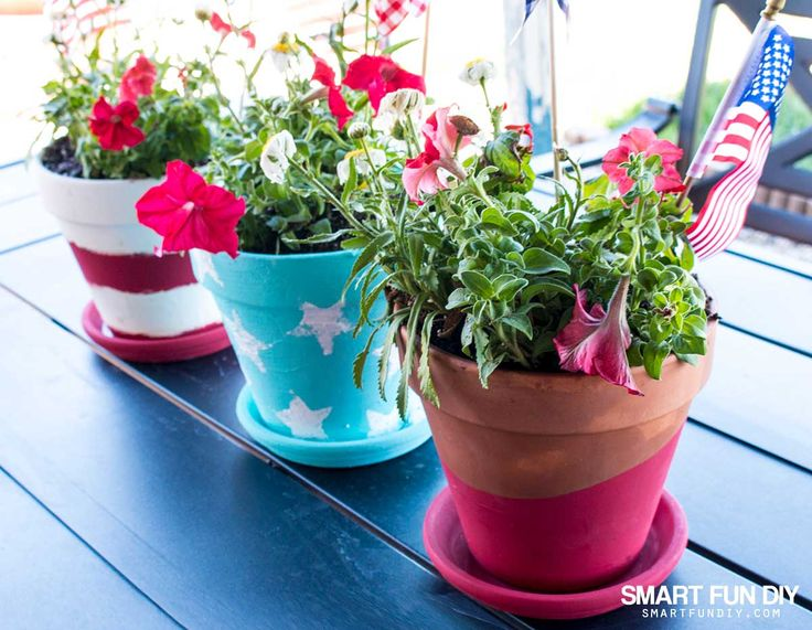 DIY terra cotta pot ideas for the 4th of July and summer party decor! How to make patriotic decor on a budget with 99 Cents Only Stores.