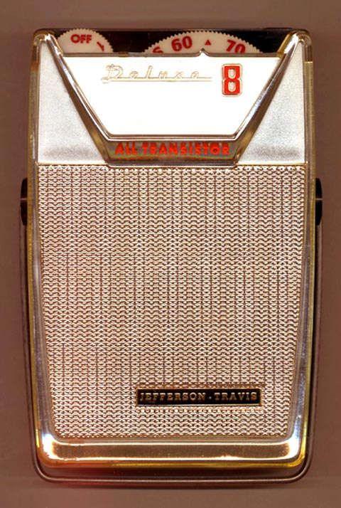 Jefferson-Travis JT-H204 small portable transistor radio
