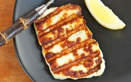 Fried halloumi-style grill cheese