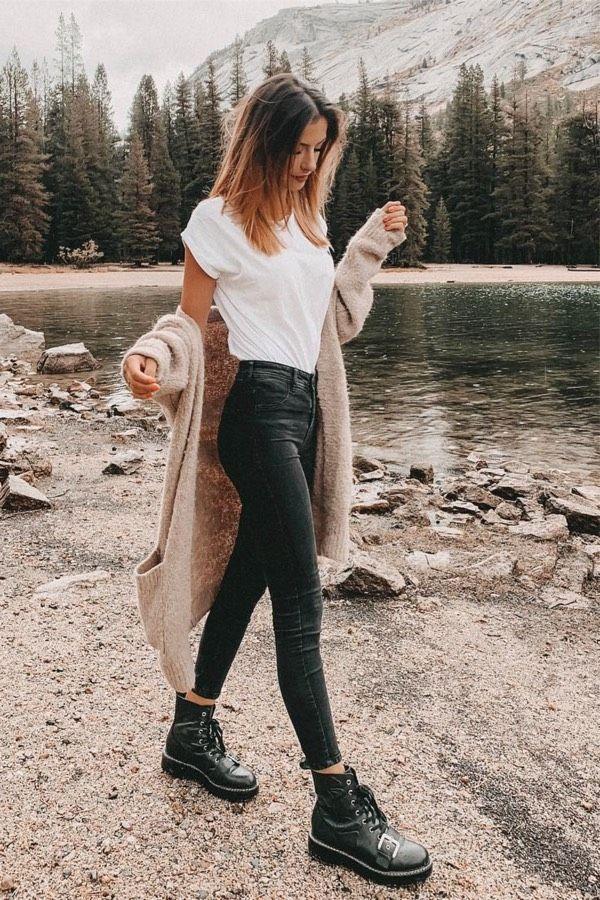 25 charmante Outfits mit schwarzen Jeans für Inspiration