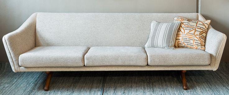 50 luvun sohva uudelleenverhoiltuna.