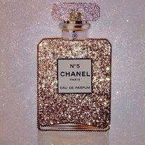 Image of Chanel No 5 Glitter Parfum Canvas Artwork