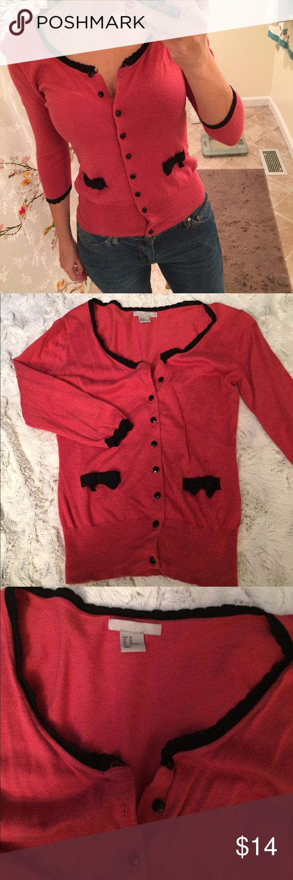 """H&M bright coral cardigan H&M dark coral cardigan with cute black piping details. Size XS, runs a bit small. For reference, I am 5'2"""" and 110lbs. H&M Sweaters Cardigans"""