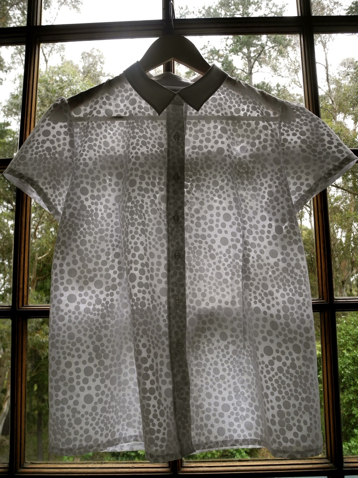 'Burrow' Spotty burn-out Cotton/Poly blend ladies' collared shirt with puff sleeve