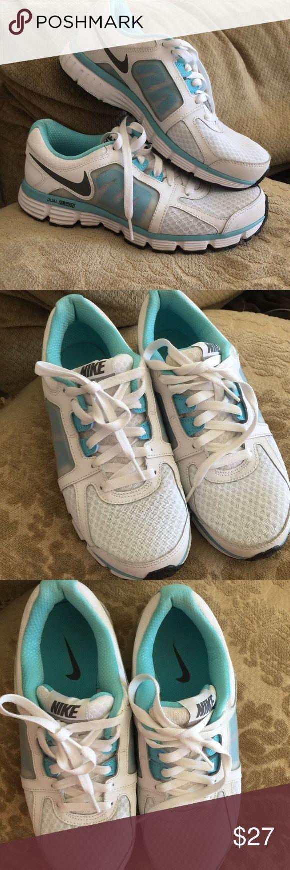 Nike dual fusion sz9 like new blue, white, black Nike dual fusion sz9 like new blue, white, black very comfy! Nike Shoes Athletic Shoes