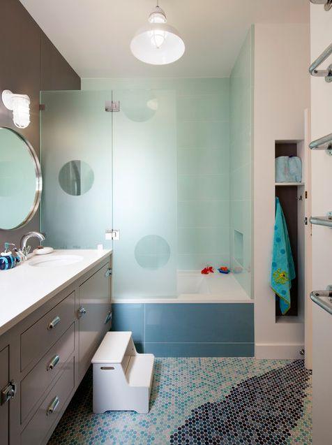 36 besten kid friendly bathroom designs bilder auf pinterest badezimmer kind badezimmer und. Black Bedroom Furniture Sets. Home Design Ideas