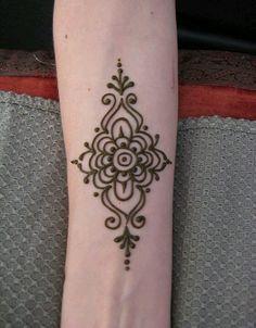Easy Henna Design www.hierishetfeest.com …