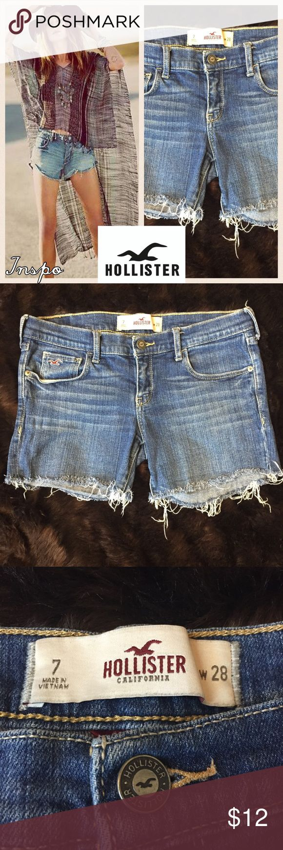 """Hollister Cutoff Denim Shorts These Hollister women's cutoff shorts are perfect for summer festivals and casual days. Size 7 / W 28. Rise - 7"""", length - 10.5"""". Excellent condition. (180) Hollister Shorts Jean Shorts"""
