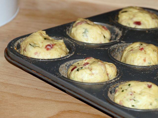 Käse-Muffins mit Schinken und Rosmarin