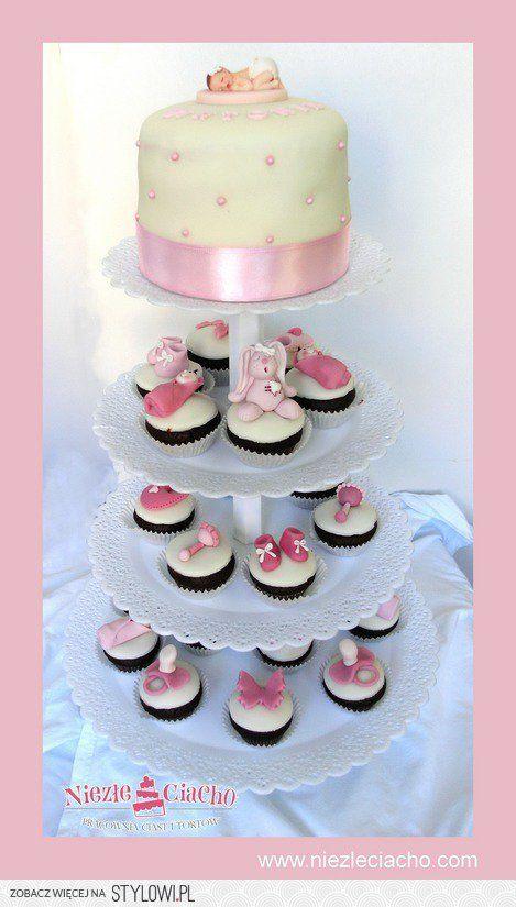 Dzidziuś, niemowle, baby, dziecko, grzechotka, smoczek, zabawki, cup cake, torcik, tort chrzcielny, tort na chrzest, piętrowy tort na chrzest, chrzest, przyjęcie z okazji chrztu