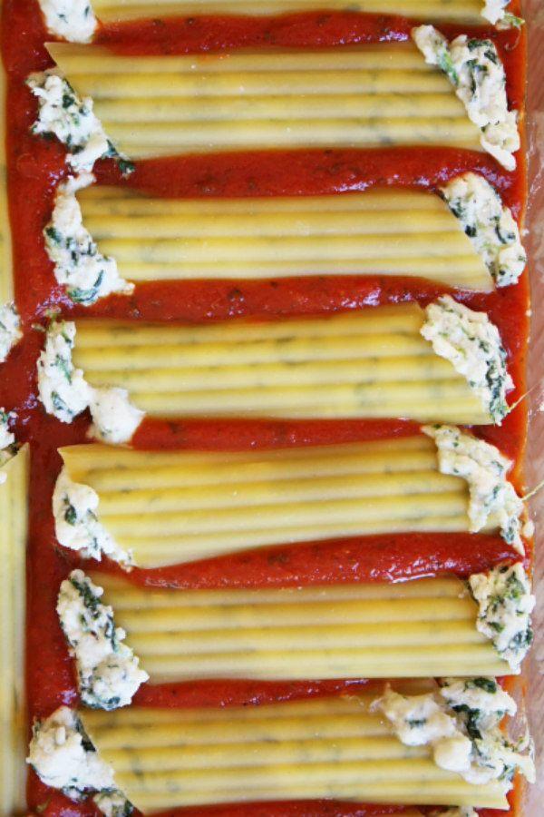 How to Make Manicotti - Spinach and Cheese Stuffed Manicotti : from RecipeGirl.com