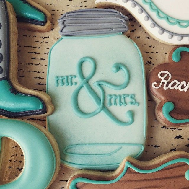 Wedding mason jar cookies.