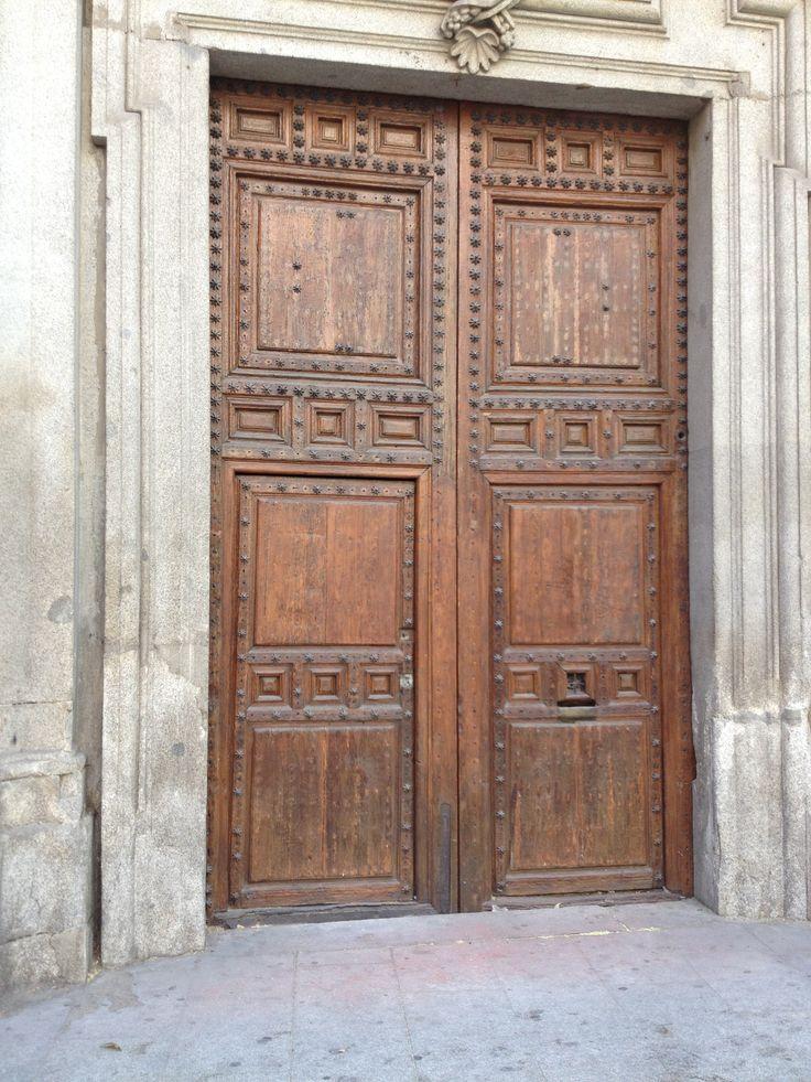 Puerta de edificio Madrid