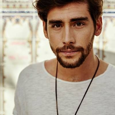 Alvaro Soler MMMMMMH this man oh my God how can he be so handsome??? HOW?!?!?!