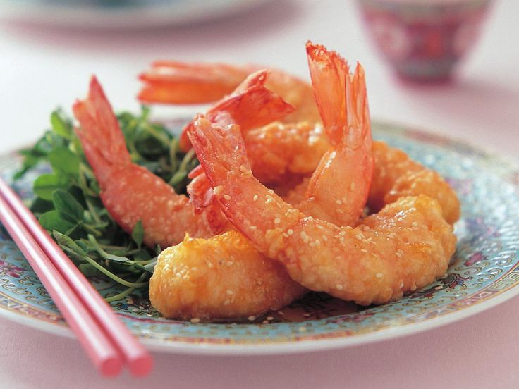 Make this batch of honey prawns at your next gathering. Everyone from the little ones to the adults will adore these little morsels of sweet orange coloured deliciousness. They are the ultimate finger food.