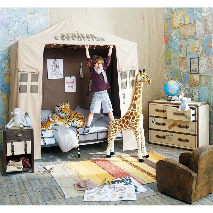 I was thinking, if my home had a spare room, it could be a safari themed playroom