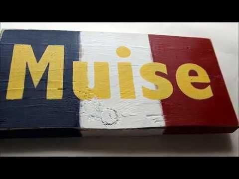 Muise Surname Drapeau Acadien ou Cajun - YouTube