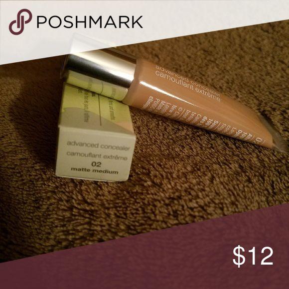 Clinique Advanced Concealer #02 Matte Medium Concealer in shade #02 Matte medium. Clinique Makeup Concealer