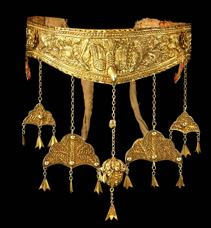 Gold 22K crown Banda Aceh Sumatra Indonesia early to mid 19th c (Singkiang archives sold )