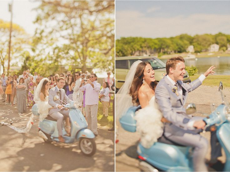light blue moped, moped wedding transport, alternative wedding transport
