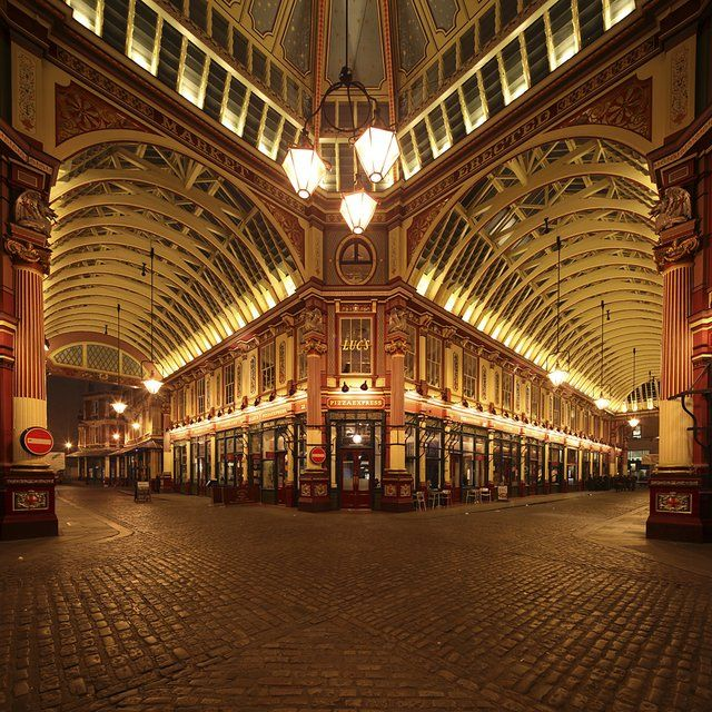 Leadenhall Market @ London, England. Our tips for things to do in London: http://www.europealacarte.co.uk/blog/2010/07/22/best-london-travel-tips-best-things-to-do-in-london/