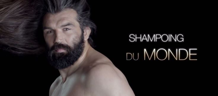 WTF : Chabal, égérie sensuelle d'une marque de shampoing dans une publicité décalée