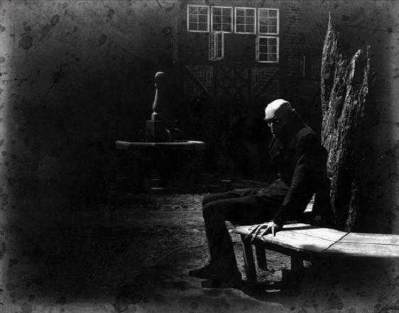 Max Schreck relaxing between takes & creeping everyone out on the set of Nosferatu, A Symphony of Horror