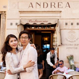 S&J, after marrying in South Korea, decided to spend their honeymoon in Italy, visiting the most romantic destinations on our peninsula Rome, Florence, Venice, and the Amalfi Coast.