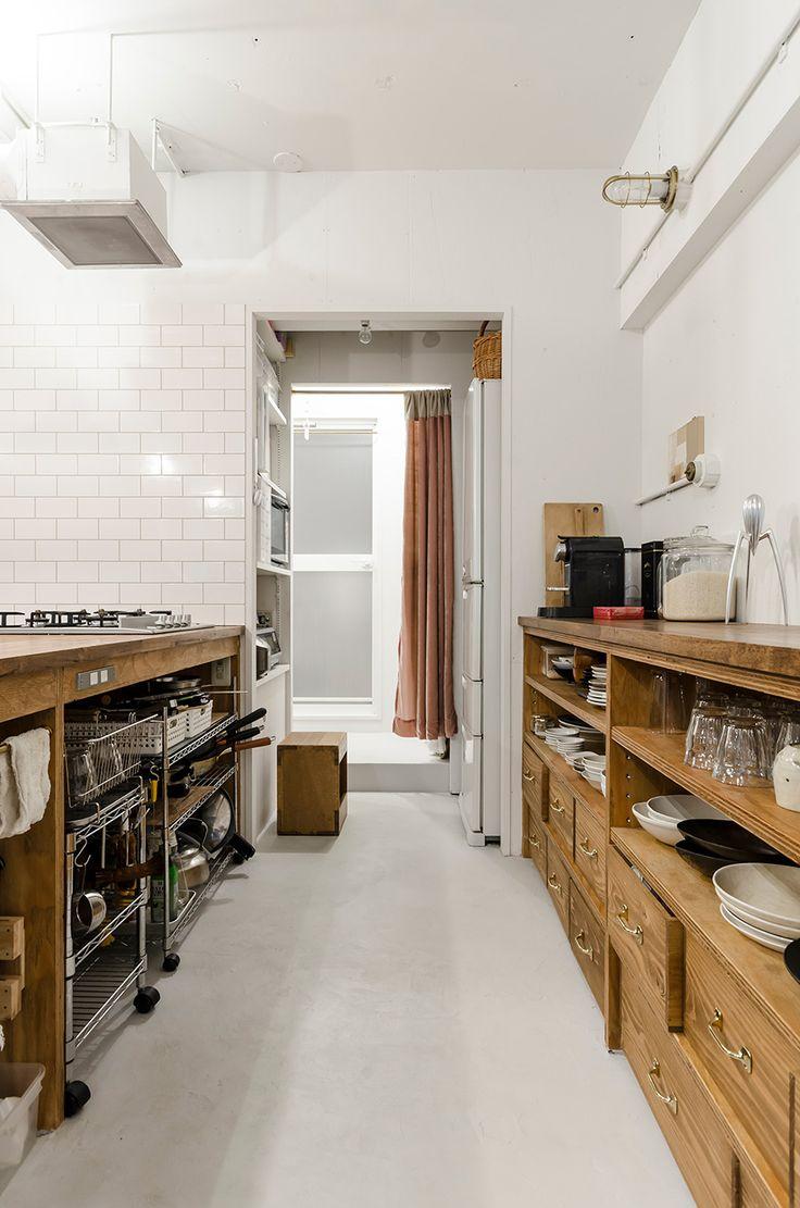 キッチンの収納は使い勝手を考えてフルオーダー