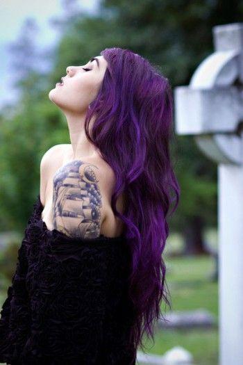 Cabelos escuros coloridos
