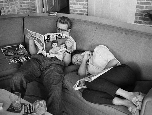 "Liz Taylor and James Dean on ""Giant"" set, 1955"