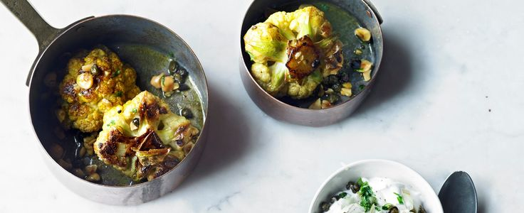 Gewürzter gebackener Blumenkohl mit Kapernraita   – eats